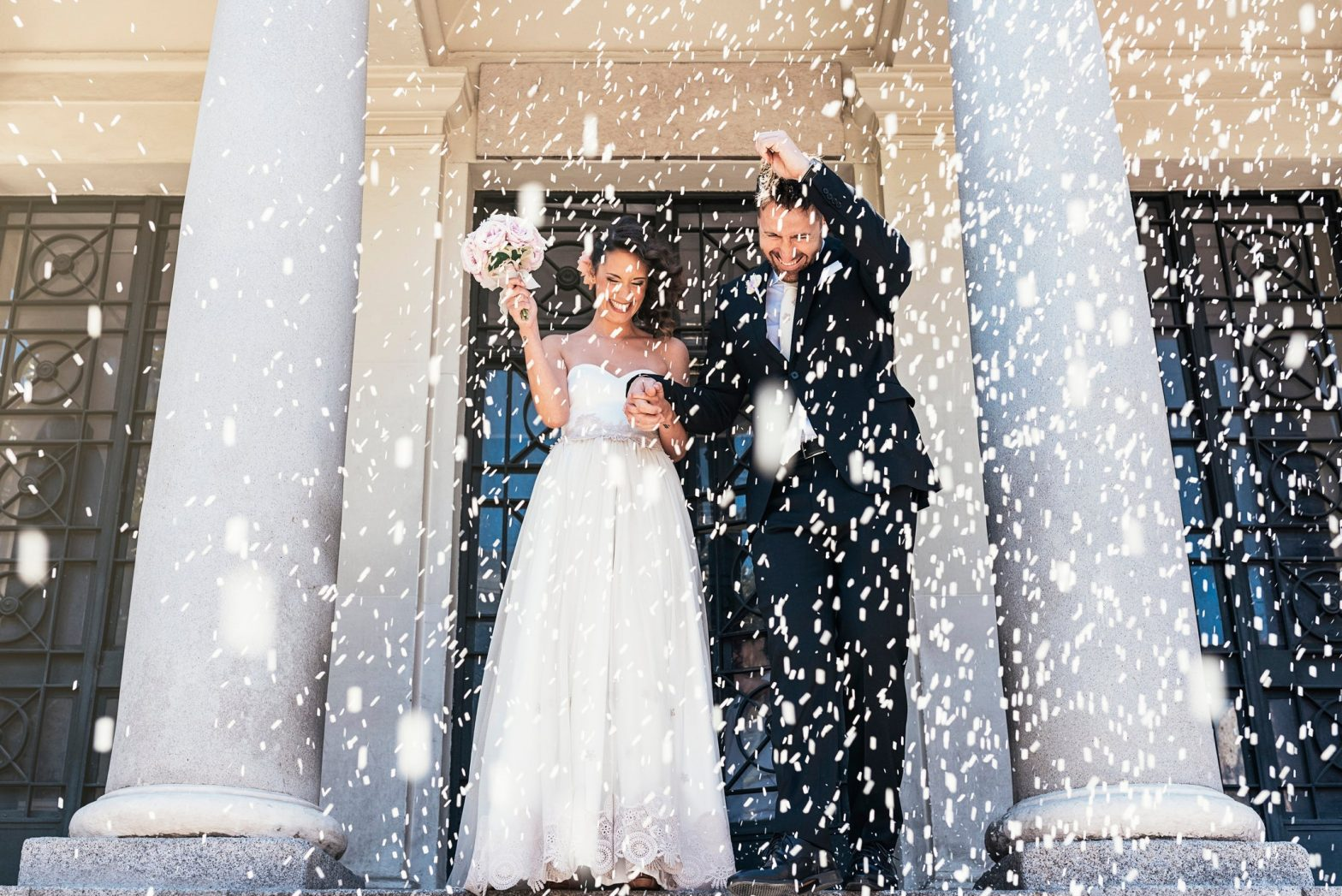 4 Ways Light Can Affect Your Wedding Ceremony Pictures